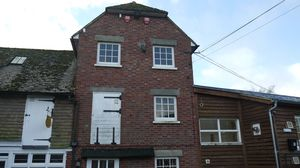 The Old Granary Office, Mersham, Ashford - Available with one months notice - Offices To Let£6,000 - Photo 1