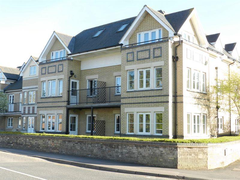 Apartment 4, Smiths Court, Clifton Road,...