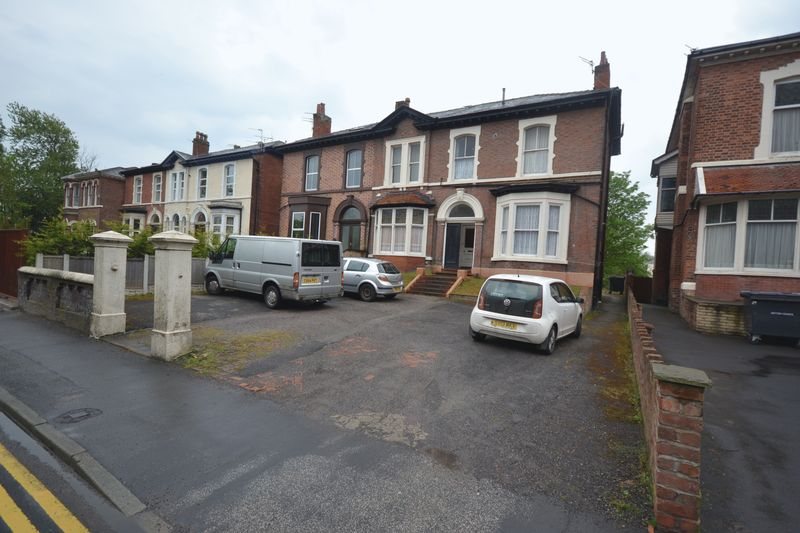 6 Bedrooms Flat for sale in Duke Street, Southport
