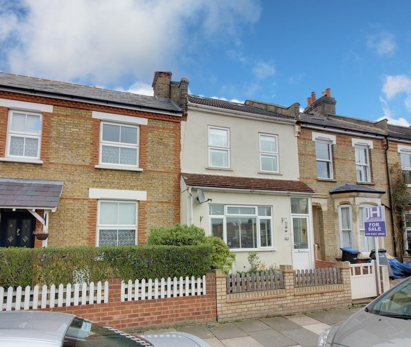 3 Bedrooms Terraced House for sale in Hawthorn Grove, Enfield