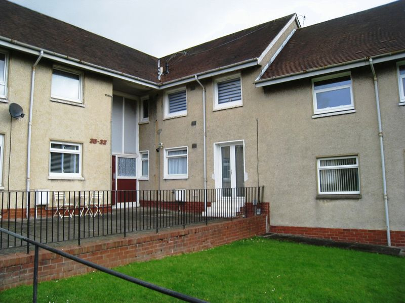 3 Bedrooms Flat for sale in Airlie Road, Baillieston, Glasgow