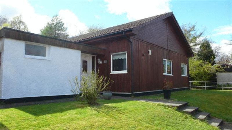 3 Bedrooms Detached Bungalow for sale in Park Way, Kildrum, Cumbernauld