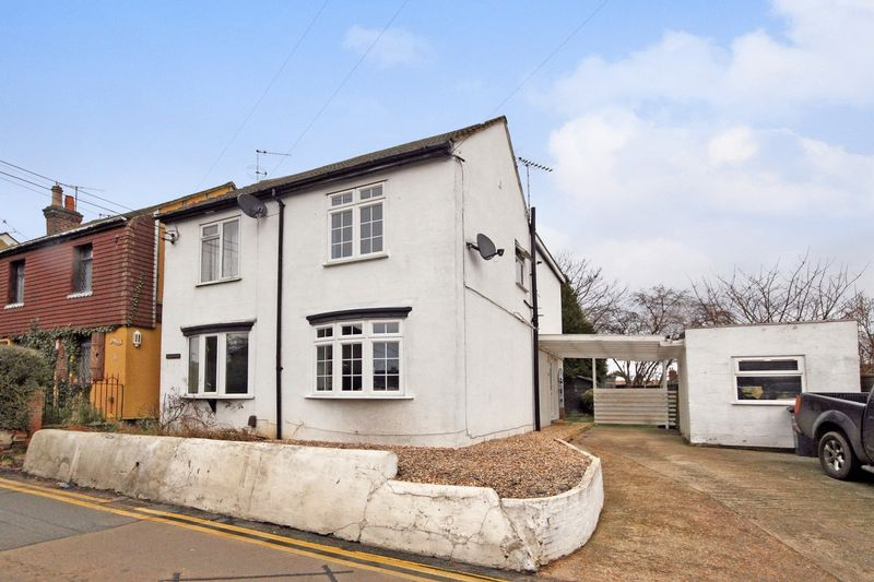 2 Bedrooms Semi Detached House for sale in Upper Weybourne Lane, Farnham