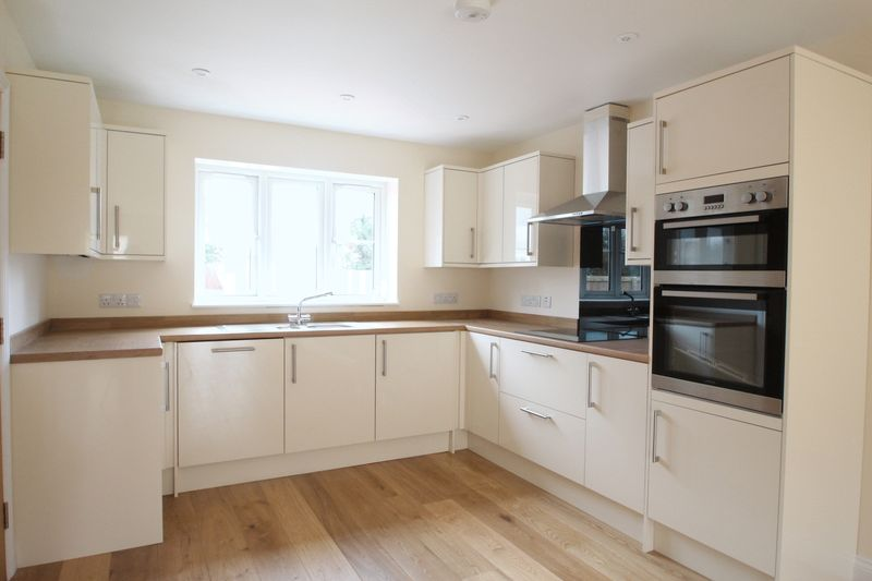 4 Bedrooms House for sale in The Sidings, Shepton Mallet