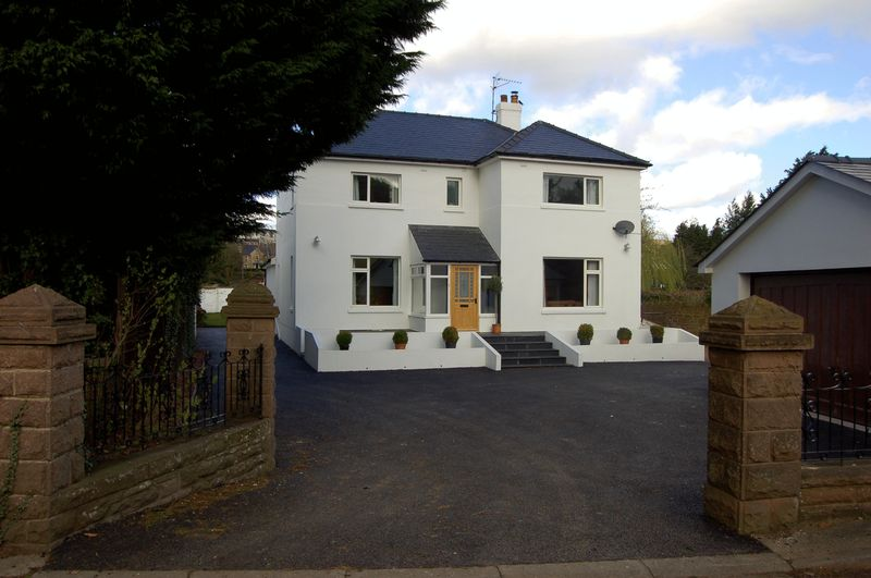4 Bedrooms Detached House for sale in Old Dixton Road, Monmouth