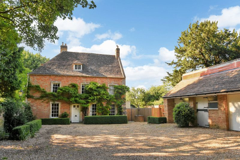 8 Bedrooms Detached House for sale in Orton Longueville, Peterborough, Cambridgeshire