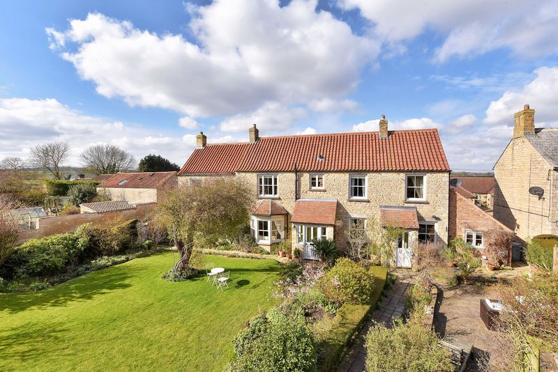 4 Bedrooms Detached House for sale in Corby Road, Swayfield