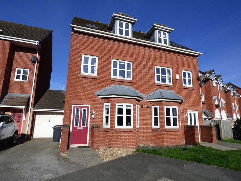 3 Bedrooms Semi Detached House for sale in Akeman Close, Morecambe
