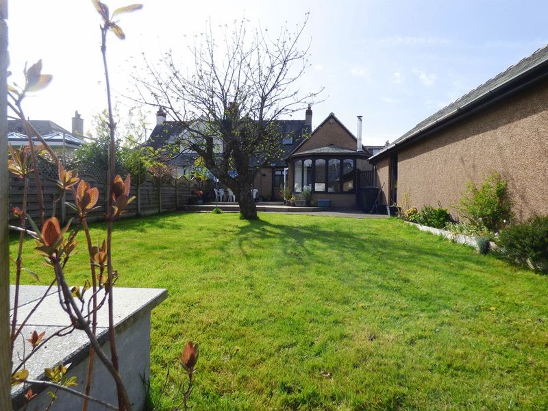 4 Bedrooms Semi Detached Bungalow for sale in Bare Lane, Morecambe