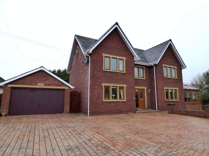 4 Bedrooms Detached House for sale in St Helens Road, Morecambe