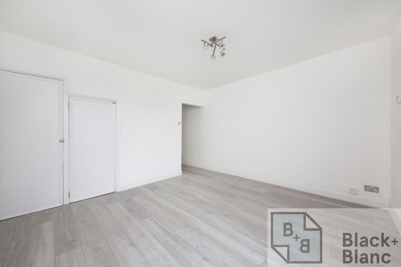 2 bedrooms House for sale in Croydon | Estate Agents in Wimbledon and Croydon.
