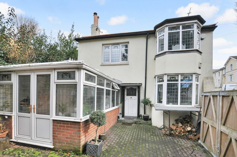 2 Bedrooms Detached House for sale in Babbacombe Road, Torquay