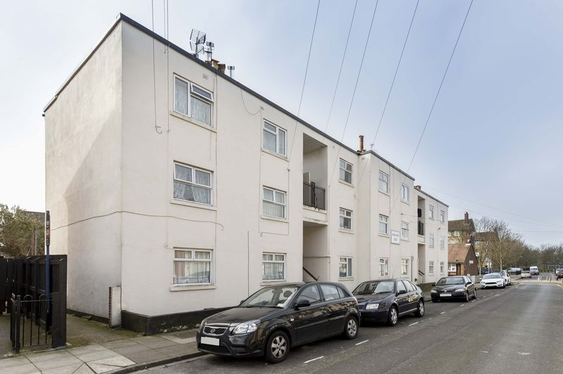 2 Bedrooms Flat for sale in Newcomen Road, Portsmouth