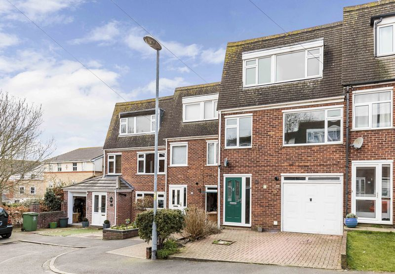 3 Bedrooms Terraced House for sale in Acorn Close, Portsmouth