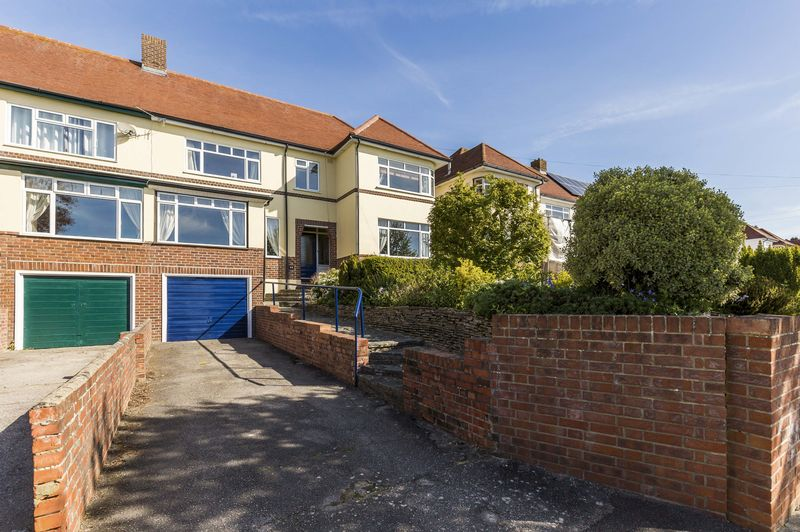 4 Bedrooms Semi Detached House for sale in Evelegh Road, Portsmouth