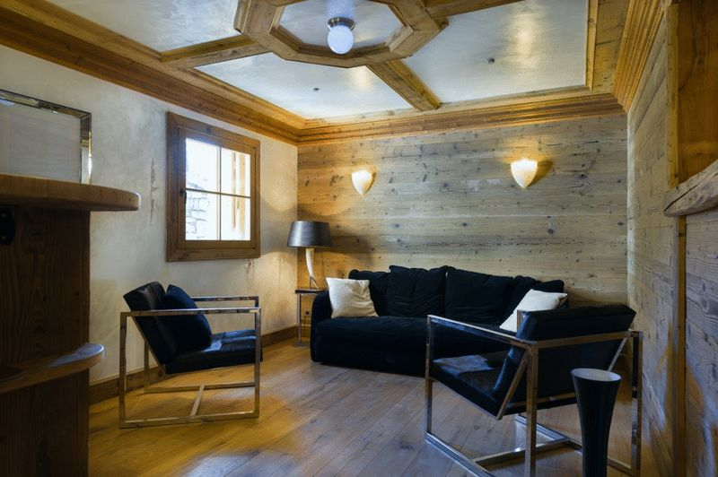Courchevel - Ski-in Ski-out 5 bedroom Chalet