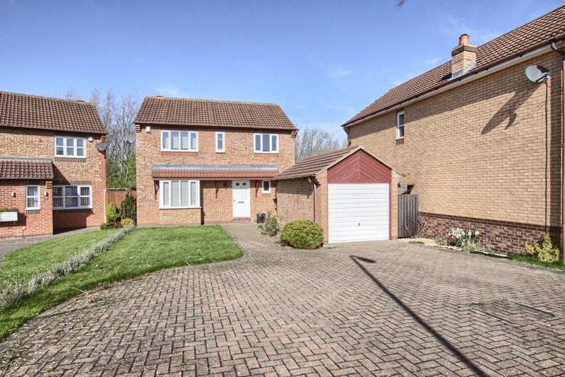 4 Bedrooms Detached House for sale in Heddon Grove, Ingleby Barwick