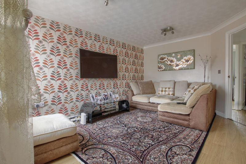 3 Bedrooms Semi Detached House for sale in Owls Grove, Ingleby Barwick
