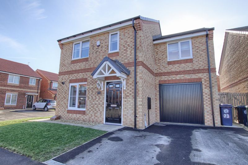 3 Bedrooms House for sale in Maplewood Drive, High Farm