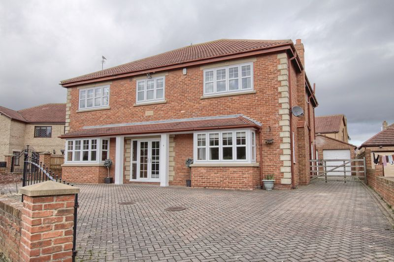 5 Bedrooms Detached House for sale in Grosvenor Court, Ingleby Barwick