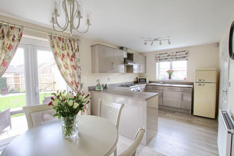 3 Bedrooms Property for sale in Magnis Close, Ingleby Barwick