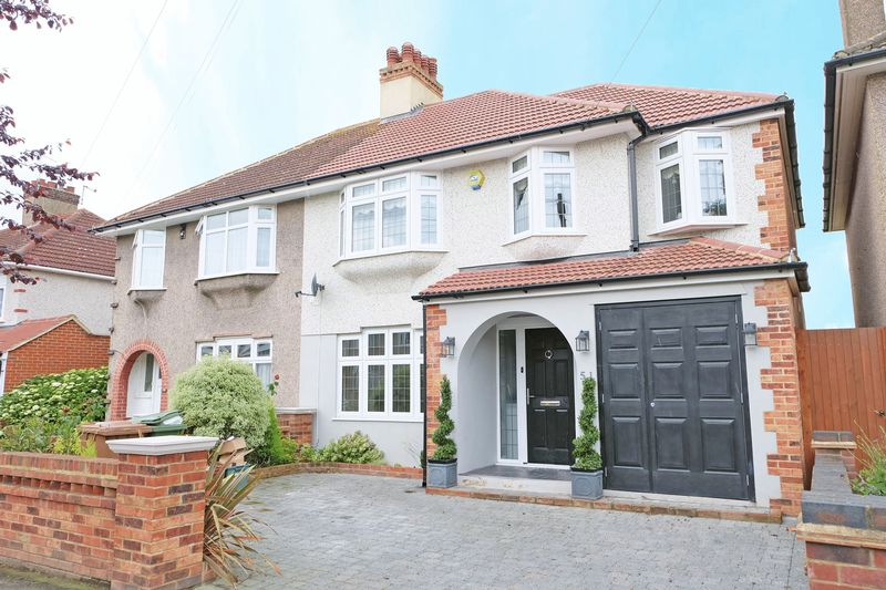 4 Bedrooms Semi Detached House for sale in Preston Drive, Bexleyheath