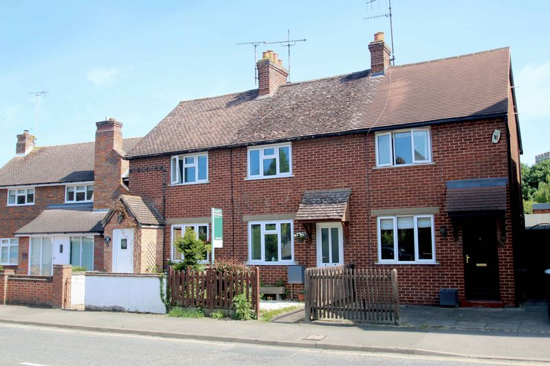 2 Bedrooms Terraced House for sale in High Street, Thame