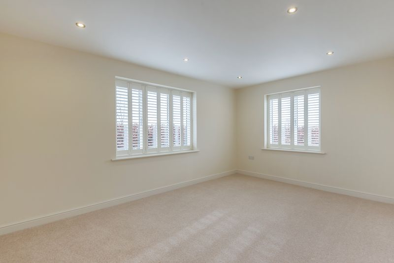 2 Oakhall Court Worminghall Road