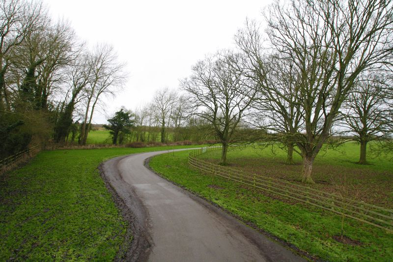 Risborough Road Kingsey