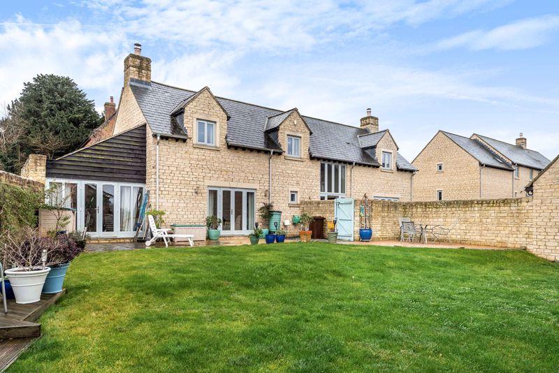 Manor Farm Close Tiddington
