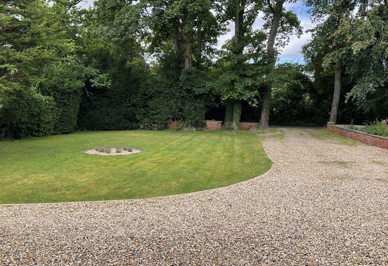 Plowden Park Aston Rowant
