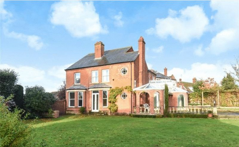 4 Bedrooms Detached House for sale in Addison Road, Gorleston, Great Yarmouth