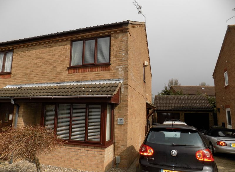 2 Bedrooms Semi Detached House for sale in Meadowland Drive, Bradwell, Great Yarmouth