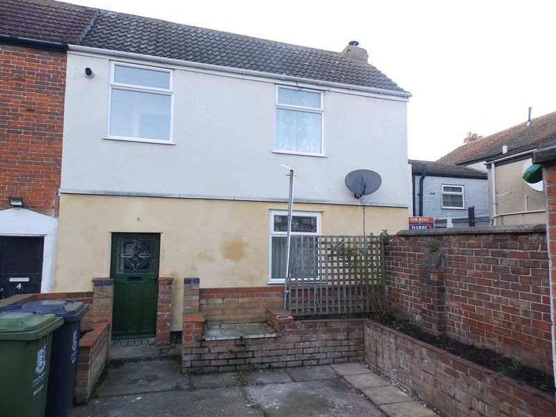 2 Bedrooms Terraced House for sale in Trumans Place, Great Yarmouth