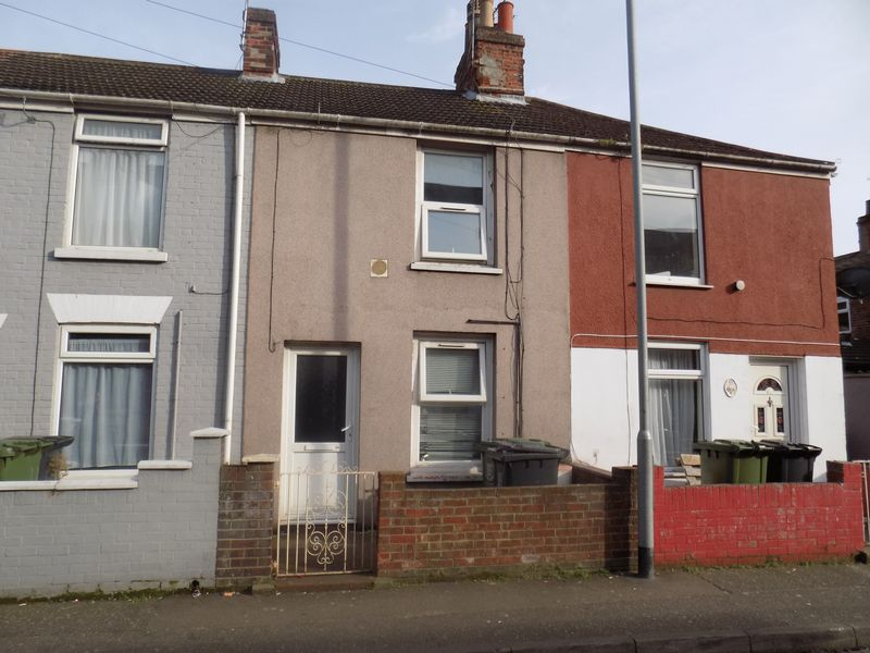 2 Bedrooms Terraced House for sale in Nelson Road Central, Great Yarmouth