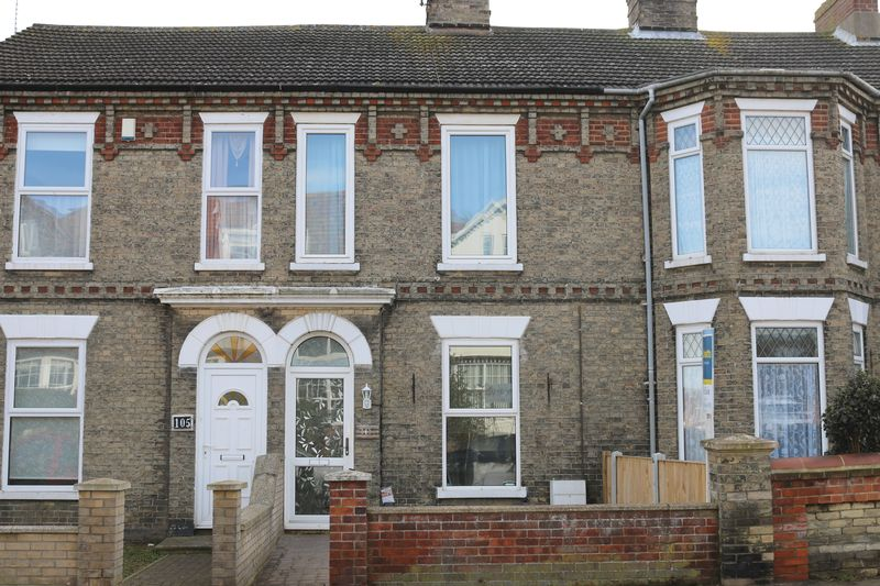 3 Bedrooms Terraced House for sale in Lowestoft Road, Gorleston, Great Yarmouth