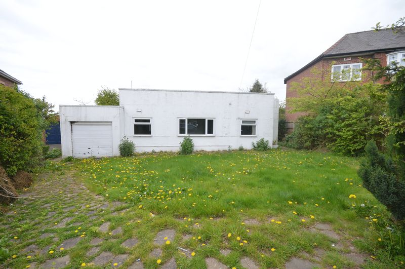 2 Bedrooms Detached Bungalow for sale in Herringthorpe Grove, Stag, Rotherham