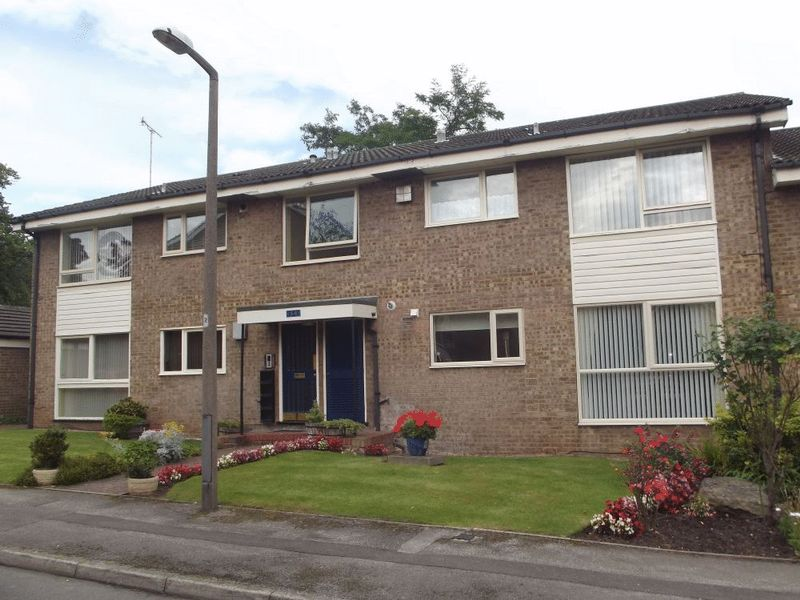 2 Bedrooms Flat for sale in Rotherstoke Close, Moorgate, ROTHERHAM