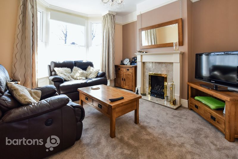 4 Bedrooms Semi Detached House for sale in Lister Street, CLIFTON