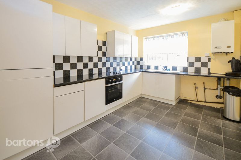 3 Bedrooms Terraced House for sale in 64 Woodside Walk, Munsborough, Rotherham