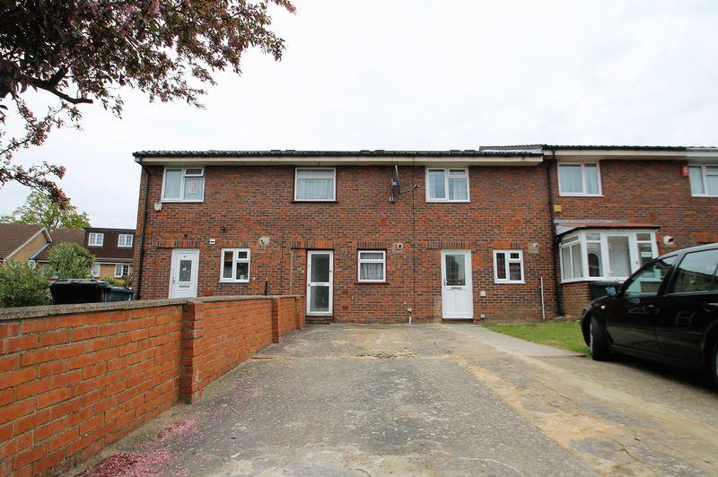 2 Bedrooms Terraced House for sale in 93 Blenheim Road, Northolt