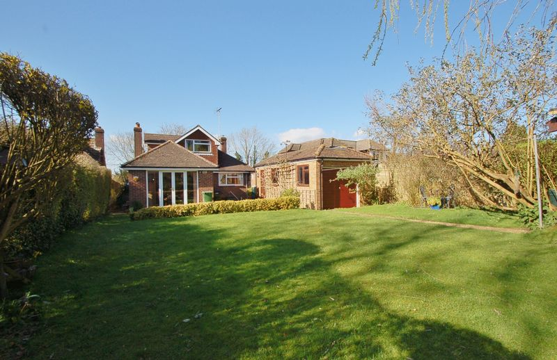 4 Bedrooms Detached Bungalow for sale in Windmill Lane, Widmer End