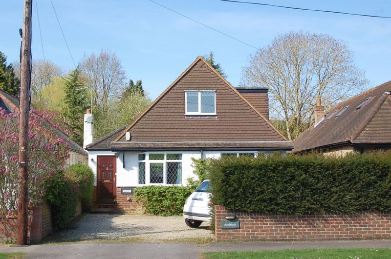 4 Bedrooms Detached House for sale in Hughenden Valley