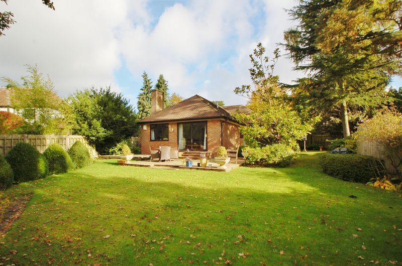 3 Bedrooms Detached Bungalow for sale in Penn