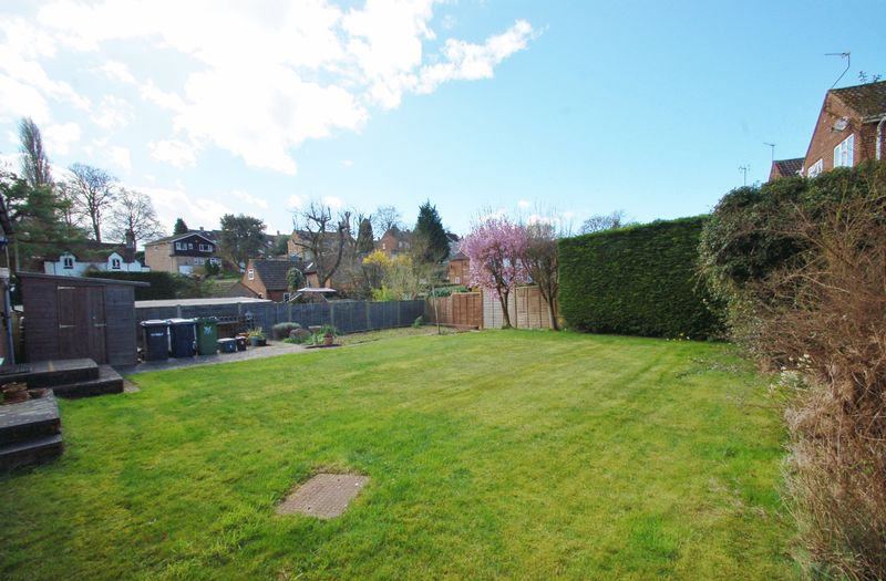3 Bedrooms Detached Bungalow for sale in Widmer End