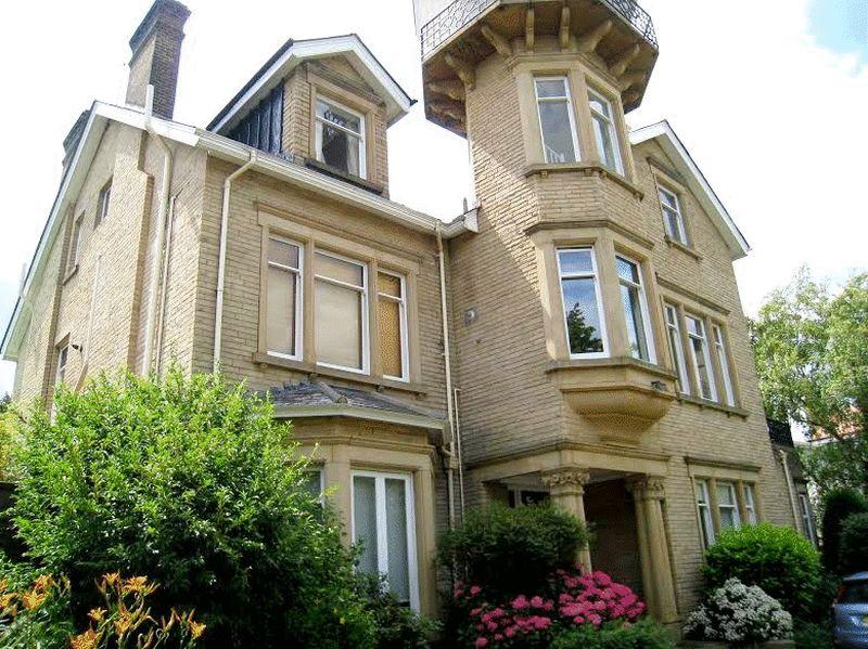 Castlebar Hill, Ealing, London, W5