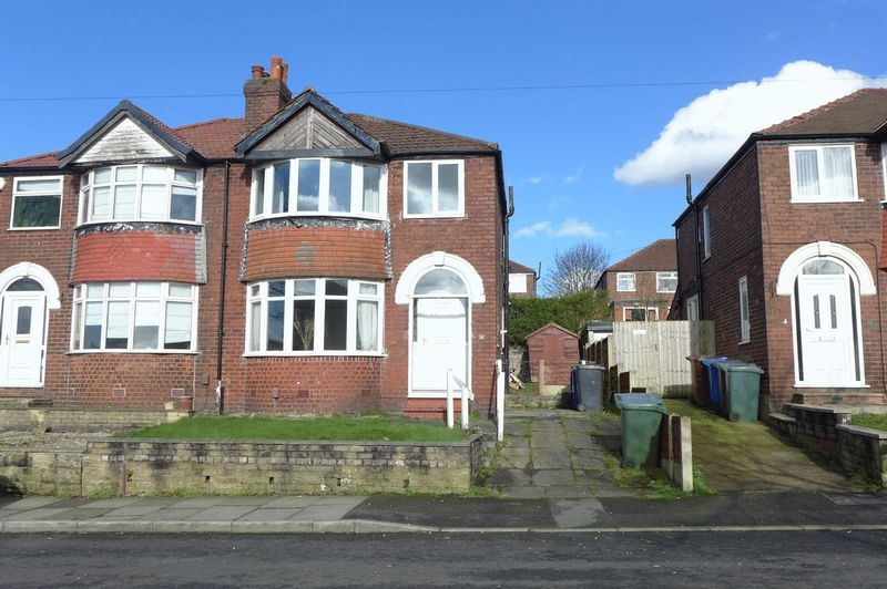 3 Bedrooms Semi Detached House for sale in Stanway Road, Whitefield
