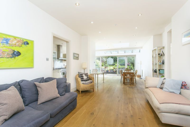 5 Bedrooms Semi Detached House for sale in Hornsey Lane Gardens, Highgate, N6