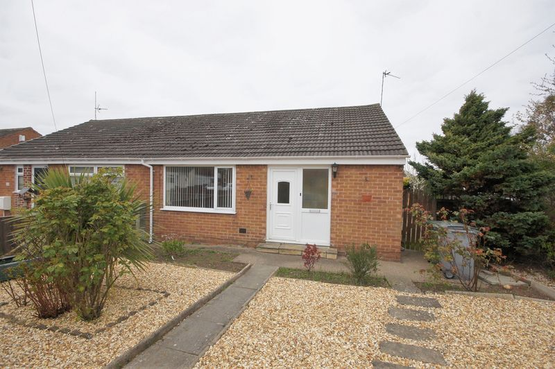 2 Bedrooms Semi Detached Bungalow for sale in Ridgemere Road, Pensby
