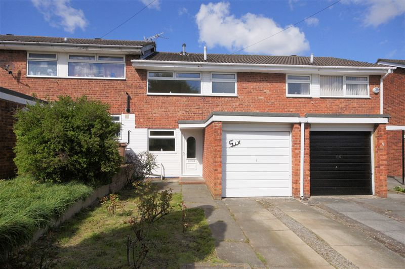 3 Bedrooms Terraced House for sale in Gleneagles Close, Pensby